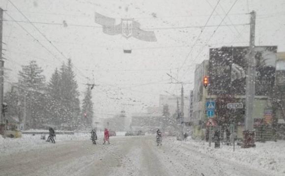 Сніг, транспортний колапс, 8 мільйонів на озеленення і число Пі