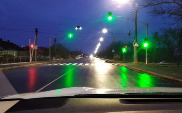 Небайдужий лучанин просить відремонтувати несправний світлофор