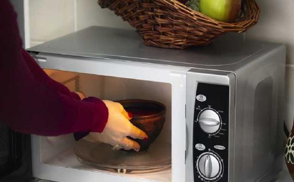 Що робити, якщо мікрохвильовка не нагріває їжу