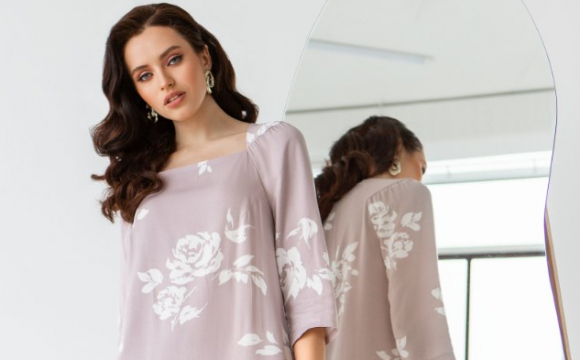 Стилісти TM HELENA рекомендують в 2021 більше жіночності, або як вибрати сукню.*