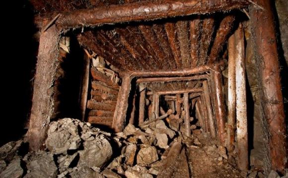 У Донецькій шахті стався вибух: є постраждалі
