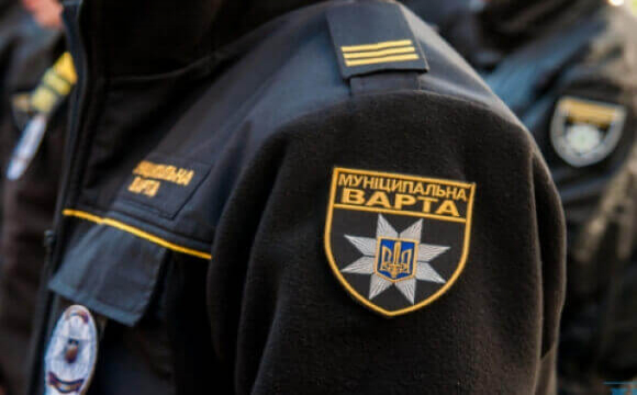 Луцьких муніципалів одягнуть у парадні штани за 80 тисяч
