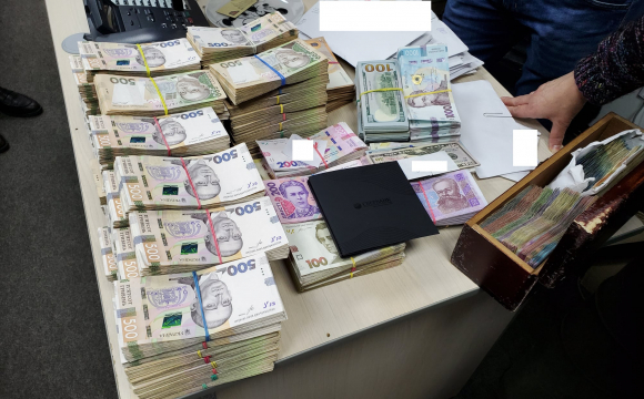 Обшуки в мережі піцерій: звинувачують у несплаті 75 мільйонів гривень податків. ФОТО