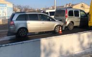 У Луцьку на мосту потрійна ДТП, рух – ускладнений. ФОТО
