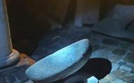 У Луцьку розшукують вандалів, які понищили барельєфи Миколи Голованя