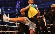 Усик став новим чемпіоном світу в суперважкій вазі, та станцював гопак з українським прапором. ВІДЕО
