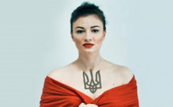 Скандальна співачка викликала поліцейських до своєї доньки. ФОТО