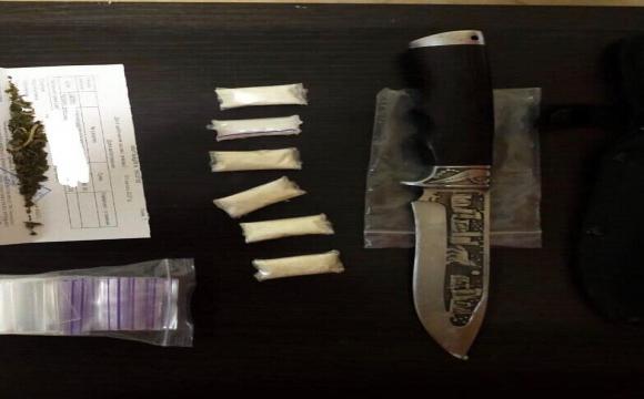 В Луцьку на пошті впіймали чоловіка з наркотиками. ФОТО