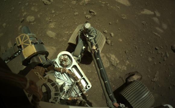 Марсохід NASA вперше після посадки проїхався Червоною планетою