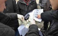 За хабар 800 доларів США судитимуть волинського поліцейського