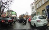 У Володимирі-Волинському на парковці сталася ДТП. ВІДЕО