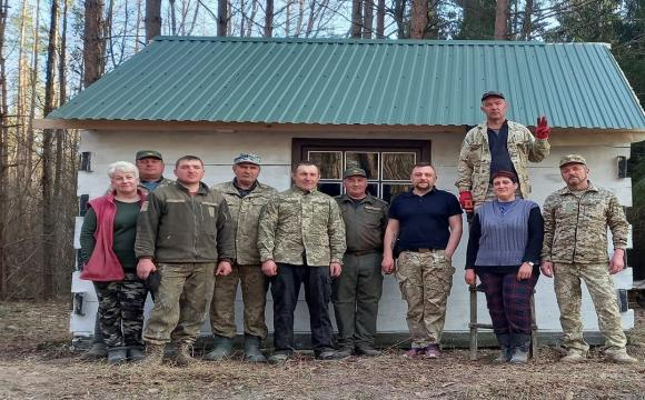 Поблизу історичного урочища на Волині відновили лісову хатину. ФОТО. ВІДЕО