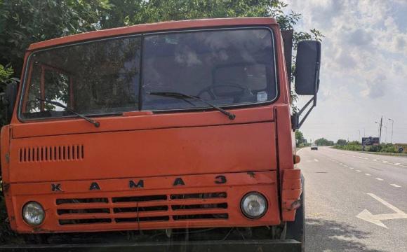 На Закарпатті з «Камазу» на ходу сипались дохлі кури. ФОТО