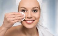 Назвали основні правила догляду за шкірою перед сном