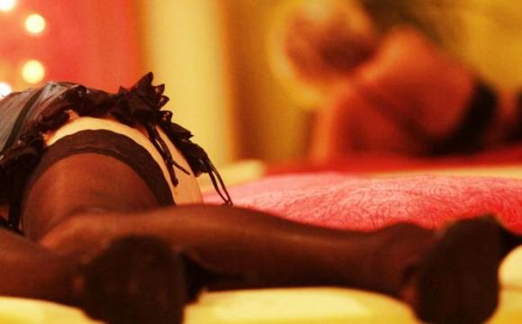 В Україні іноземець вербував молодих дівчат для сексуального рабства