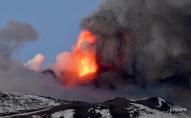 В Італії знову почав вивергатися вулкан Етна. ВІДЕО
