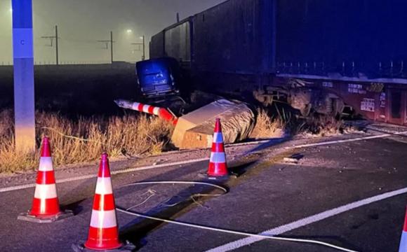 У Бельгії потяг наїхав на вантажівку: загинув українець