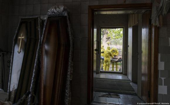 Кількість померлих в Україні підскочила на 35% - Держстат