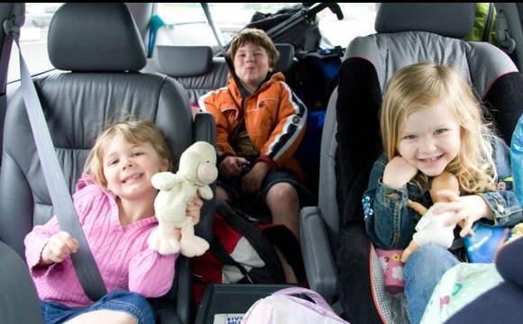 Кабмін схвалив нові правила перевезення дітей в автомобілі
