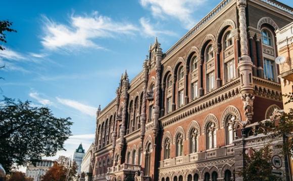 Українці стали частіше користуватись безготівковими платежами