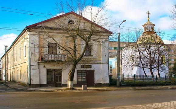 У Луцьку історичний будинок 17-го століття руйнується через відсутність єдиного господаря