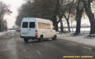 У Луцьку − ДТП: від удару автівка опинилась у кюветі та без колеса. ФОТО