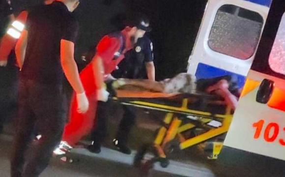Жорстокий напад на таксиста: поранення в шию та голову. ФОТО