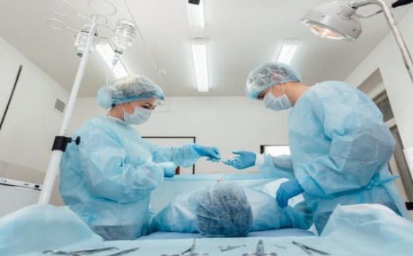 Волинські лікарі врятували жінку від втрати функцій руки. ФОТО
