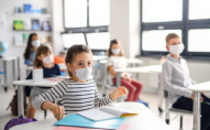 В Україні зможуть працювати тільки ті школи, де вакциновані 80% співробітників