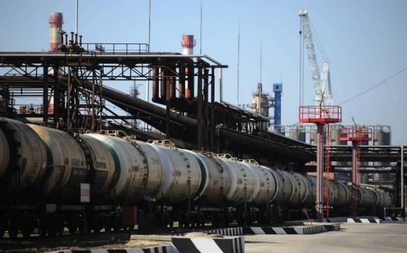 Експорт нафти з Росії обвалився до мінімуму за останні 16 років