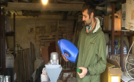 Лучани почали перероблювати пластик у гаражі. ФОТО. ВІДЕО