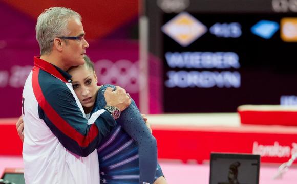 Екстренер збірної США з гімнастики застрелився після звинувачень у насильстві