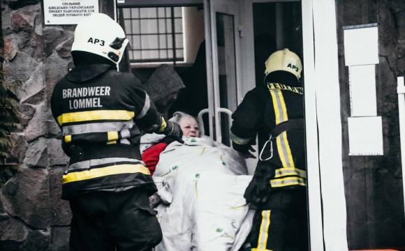 Загорівся будинок для літніх людей. ФОТО