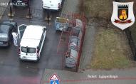 У Луцьку запарковані машини блокують доїзд сміттєвозів до контейнерів. ФОТО