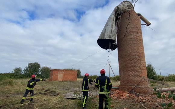 У Луцькому районі негода повалила водонапірну вежу, село лишилося без води