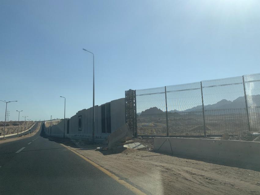 Шарм-ель-Шейх огородили 36-кілометровою бетонною стіною