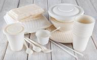 Заборонять одноразовий посуд, пакети, соломинки