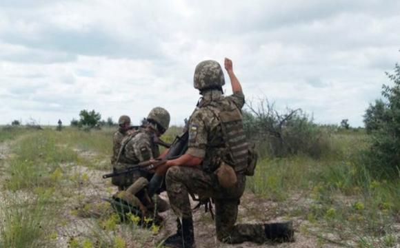 Окупанти п'ять разів відкривали вогонь по українських позиціях на Донбасі