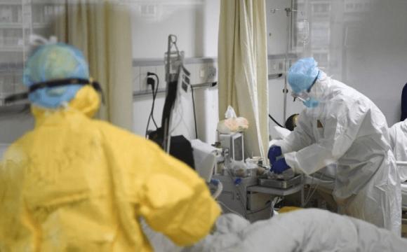 Один із пацієнтів вже помер: у Києві чекають на сплеск «Дельти» після ходи УПЦ МП