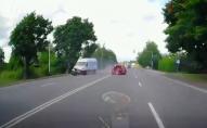 ДТП у Рованцях: бус на швидкості влетів у легковик. ВІДЕО