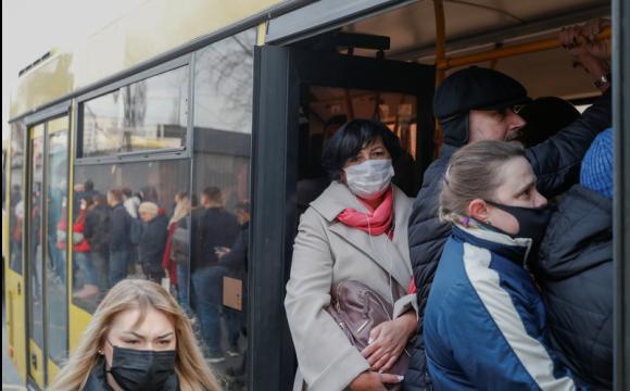Чи зупинять міський транспорт у випадку локдауну: роз'яснення МОЗ