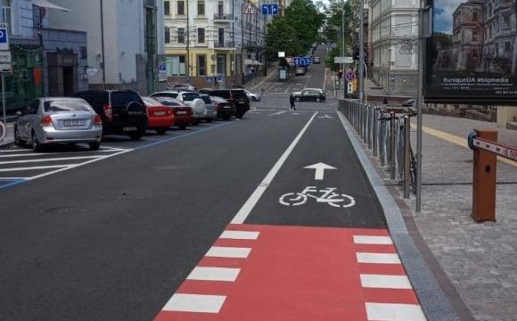 У Луцьку пропонують зробити окремі смуги для руху велотранспорту. ФОТО
