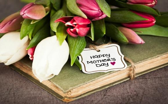 День матері: як з'явилось це свято та які його особливості