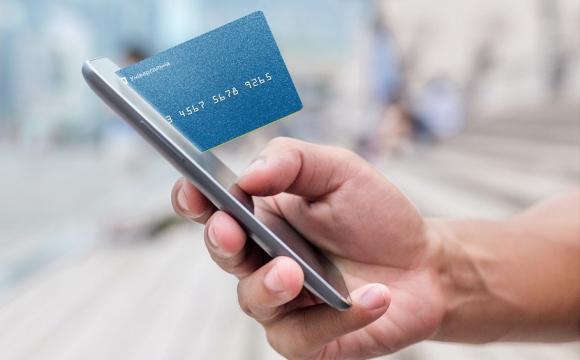 ПриватБанк блокує картки на 4 місяці: причини