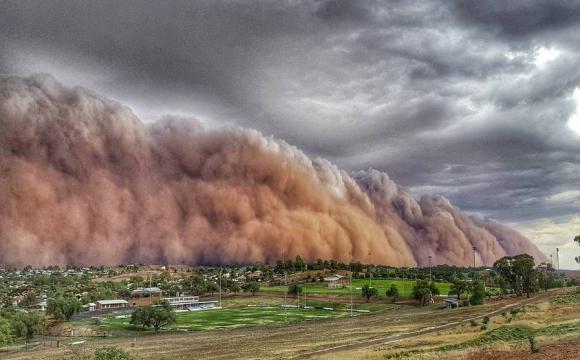 На Україну насувається хмара з пилу: на кого чекає небезпека. ФОТО