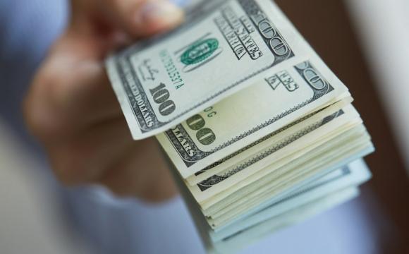 Курс долара продовжує зростати