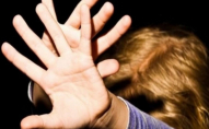 Побила дівчину палицею: на Волині судили завідувачку дитсадка