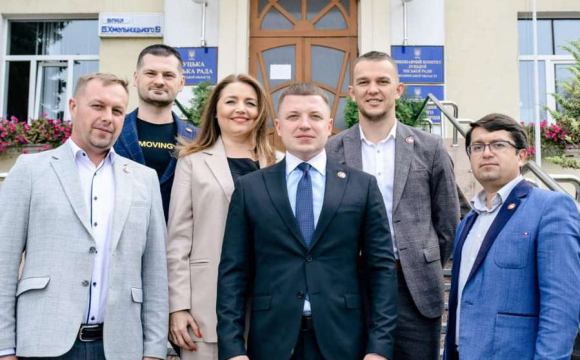 Партія Покровського виправдовує довіру лучан: опитування