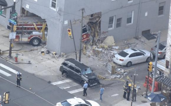 Пожежна машина наскрізь «прошила» житловий будинок: є жертви. ВІДЕО