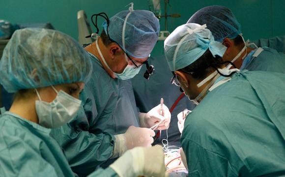 Волинські лікарі 3,5 години рятували ногу 62-річному чоловіку